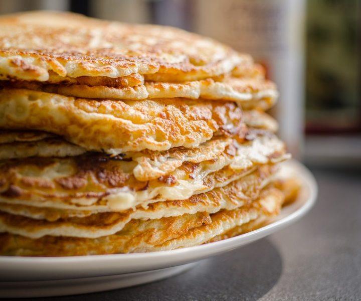 Süßkartoffel-Pancakes mit Pistazienbutter