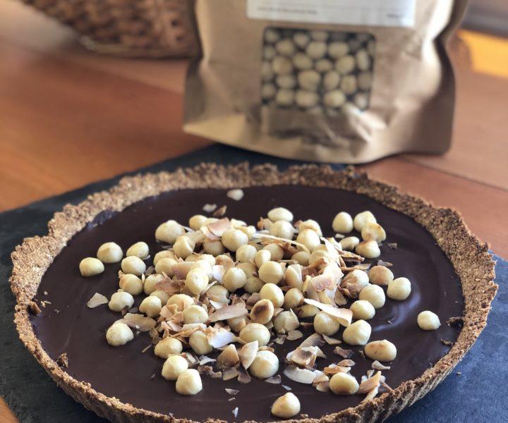 Zartbitterschokoladentarte mit Macadamianüssen