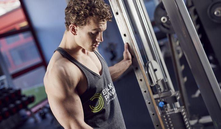 Kabelzug: 5 Übungen für deine Bauchmuskeln