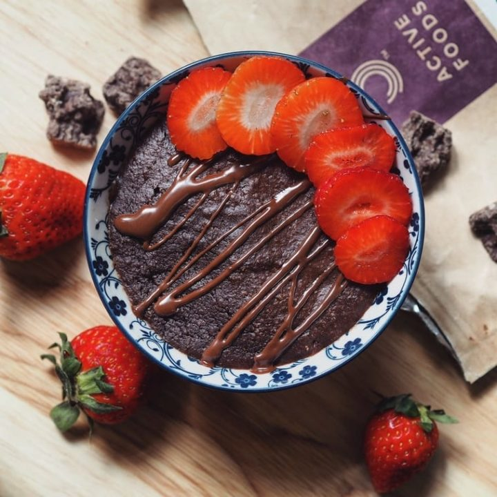 vegansk brownie i en skål