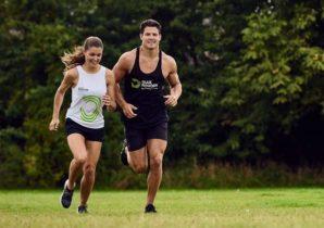 to personer der løber
