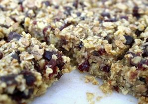 Cranberry and Dates Protein Vegan Flapjack Recipe | BULK POWDERS® Core Ireland