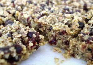 Cranberry and Dates Protein Vegan Flapjack Recipe | BULK POWDERS® Core Ireland