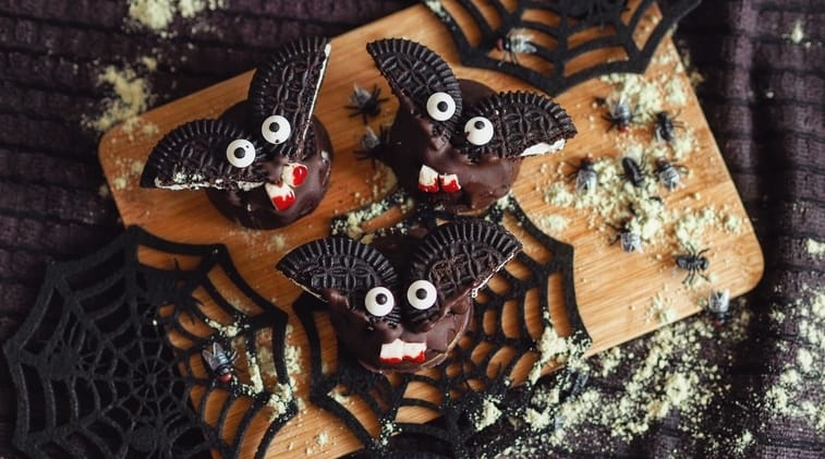 Peanut Butter Cup Bats Halloween Recipe