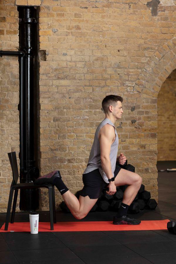 chair bulgarian split squat step 4