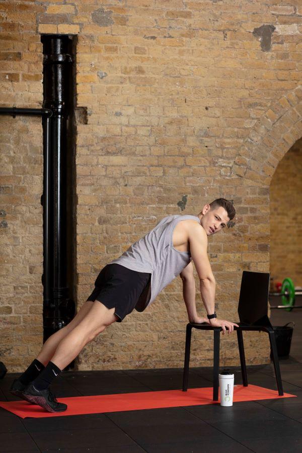 chair high plank knee-ups step 1