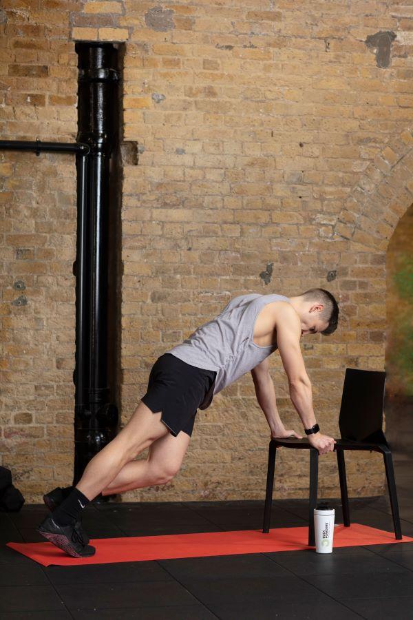 chair high plank knee-ups step 3