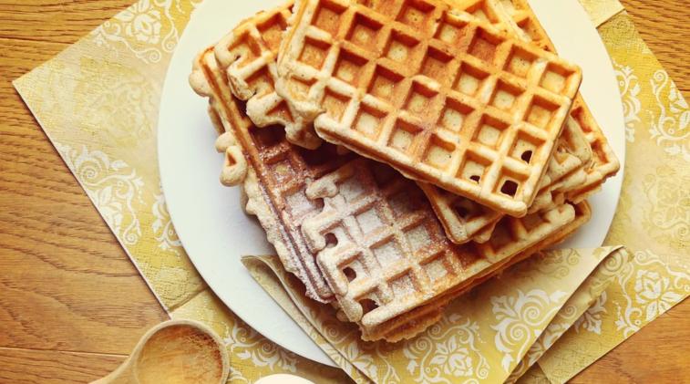 Waffles proteici con caseina e yogurt