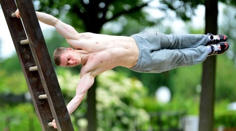 I vantaggi del praticare calisthenics regolarmente