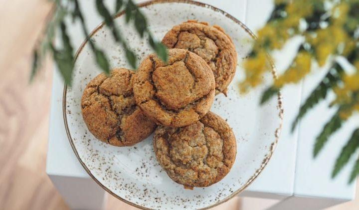 Muffin proteici alla banana e al burro di arachidi