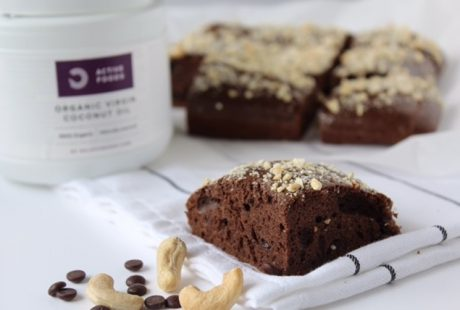 Cacao Protein Brownies met cashews