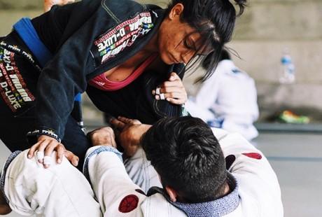 Wszystko to, co każda dziewczyna powinna wiedzieć przed rozpoczęciem trenigów Brazylijskiego Jiu Jitsu