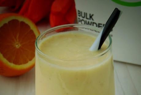 Proteinowy koktajl pomarańczowo-kokosowy