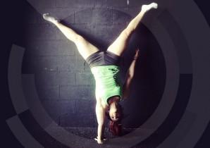 10092015-handstand