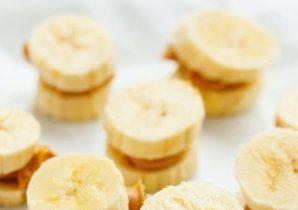 snack med banan och jordnötssmör