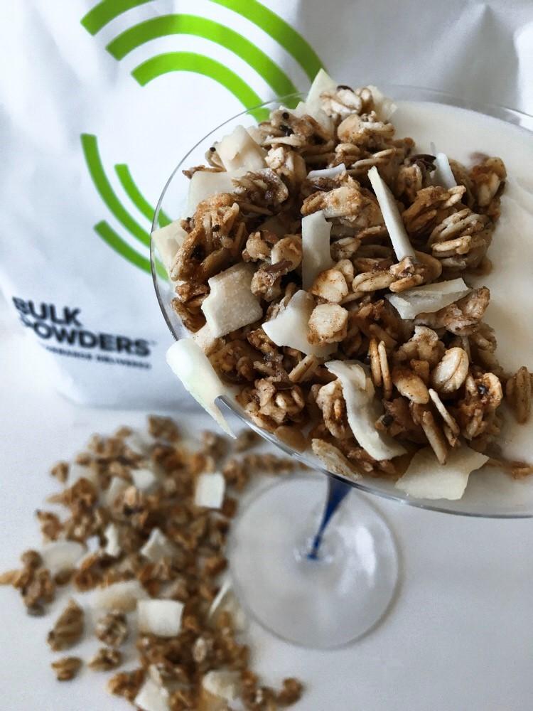 Recept: Sockerfri Granola med Chia & Kokos