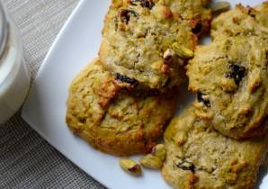 Pistachio and Cherry Cookies