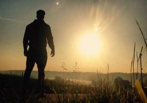 Man Looking At The Sun - BULK POWDERSRunning Heroes Banner - BULK POWDERS™