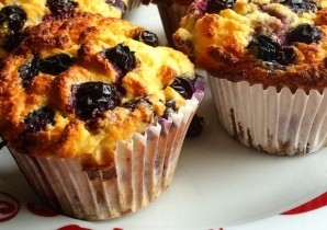 Rhubarb and Blueberry Muffins