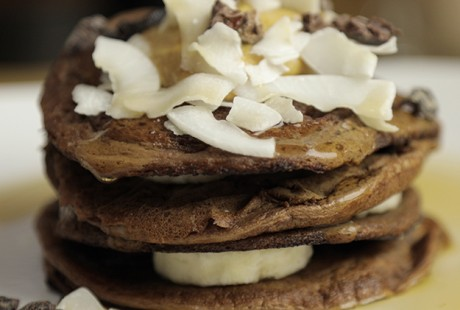 [VIDEO] Peanut Butter Cup Protein Pancakes Recipe