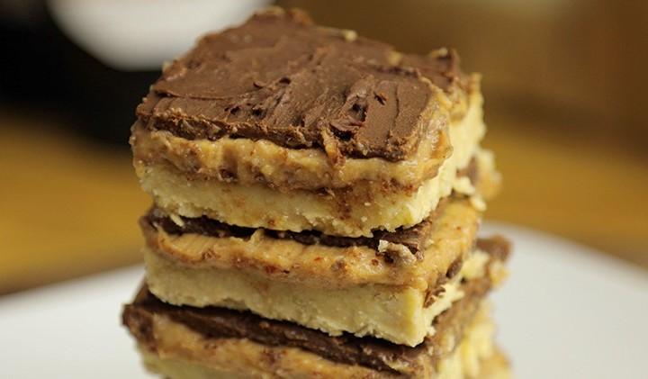 peanut butter caramel slices