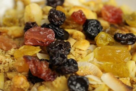 [VIDEO] Coconut, Macadamia & Raisin Granola Recipe