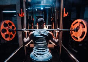 bulk-athlete-squatting