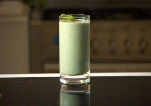 glass of complete greens smoothie