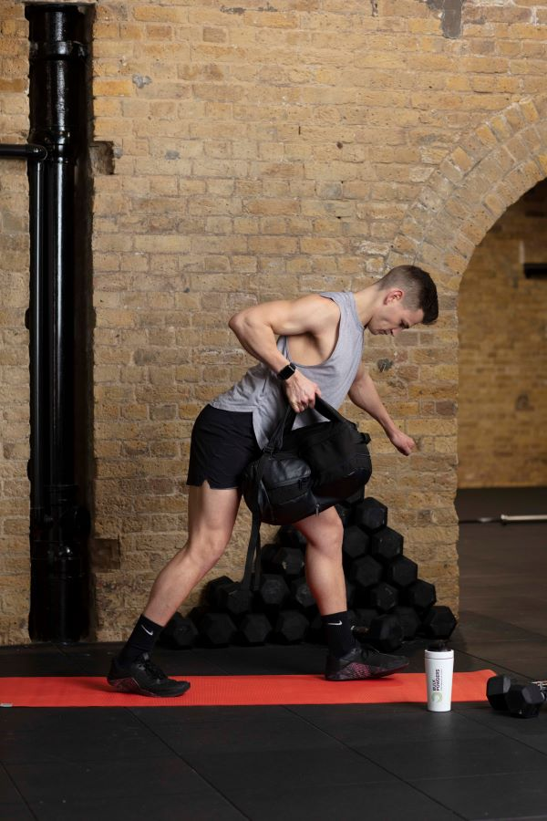 one-arm backpack row step 3