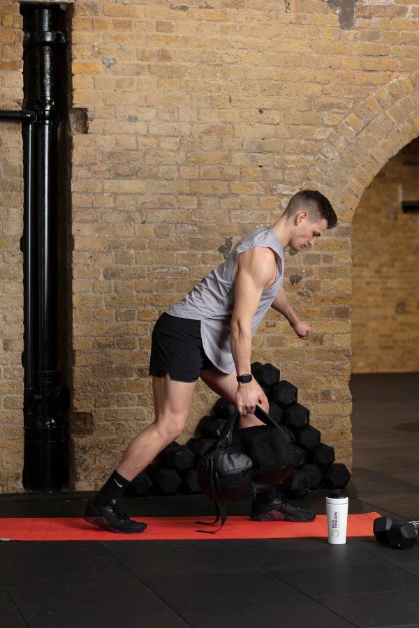 one-arm backpack row step 4